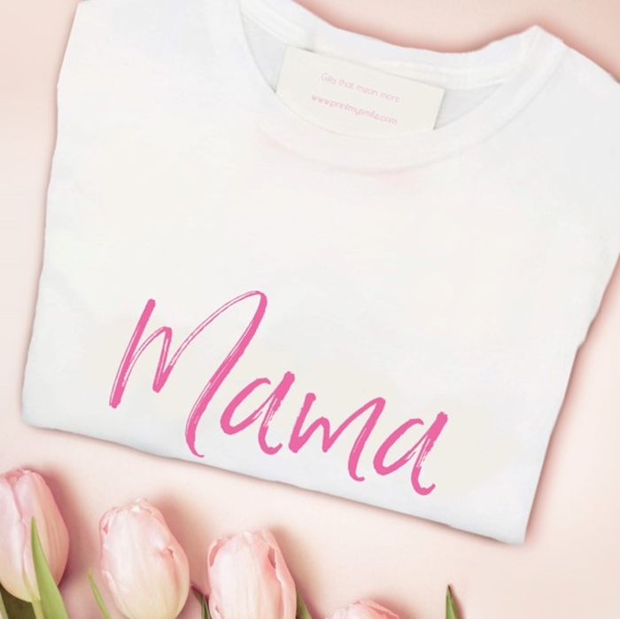 Picture of Mama script personalised white t-shirt